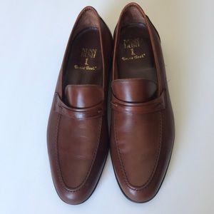 Nunn Bush Brass Boot Cognac Brown Leather Loafers